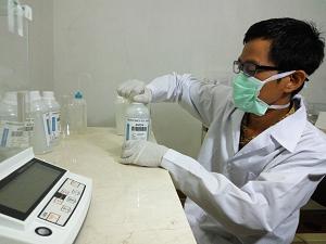 Uji Profisiensi Air Minum Dalam Kemasan I Batch 3 (AMDK 1 Batch 3) Parameter: Nitrat, Sulfat dan Klorida